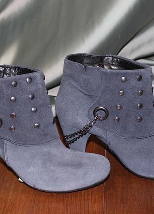 Сині черевички з цепочкою. високоякісна шкіра. іспанія / синие ботинки