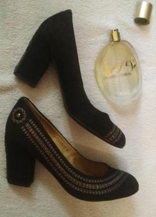 Туфли на маленьком каблуке натуральная замша вышивка