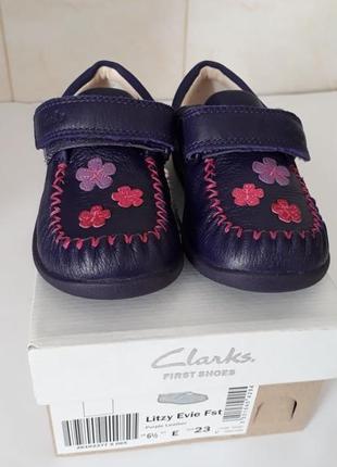 Продам новые туфли туфельки мокасины макасины clark's для девочки размер 23 стелька 14.7