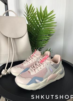 Нюдовые бежевые розовые кроссовки stradivarius