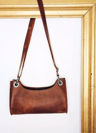 Коричневая сумка-багет из натуральной кожи
