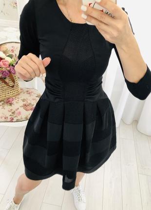 Черное платье из неопрена с сетками в стиле maje италия