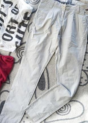 Модные катоновые брюки