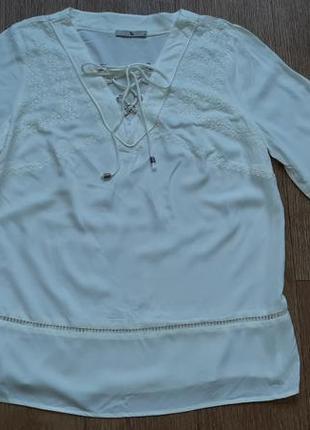 Блуза натуральная с вышивкой из вискозы