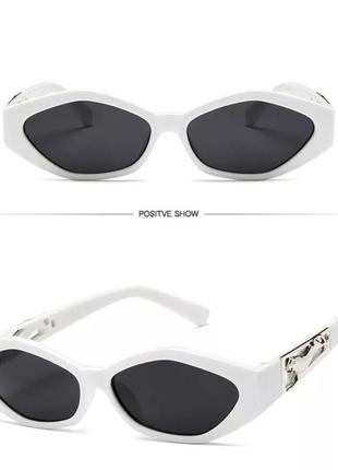 Очень стильные очки окуляри