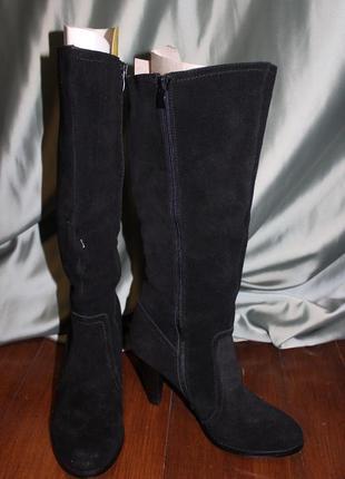 Замшеві весняні жіночі чоботи. виготовлені в іспанії.