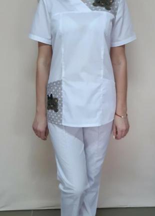 Женский медицинский белый костюм