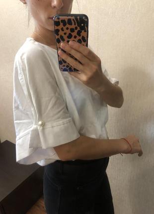 Котоновая белая футболка zara с бусинами размер onesize s m l