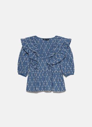 Красивая блуза из прошвы
