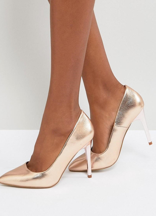 Туфли 37 размер на шпильке каблуке новые золото