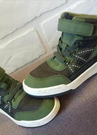 Продам кросовки сникерсы фирмы h&m
