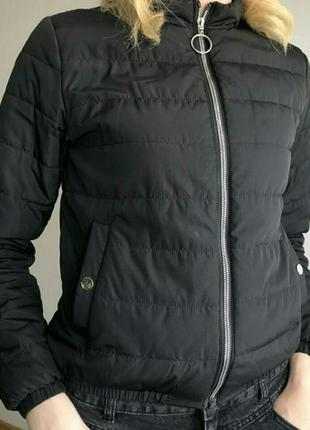 Курточка осеняя