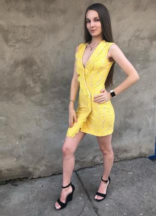 Желтое платье мини