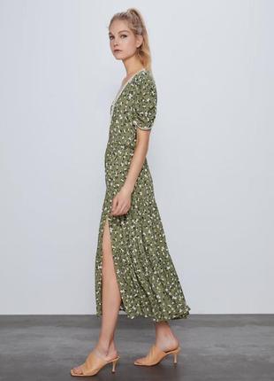 Zara платье в цветочный принт, xs2 фото