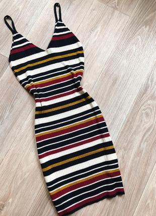 Трикотажное платье в полоску в рубчик coopérative