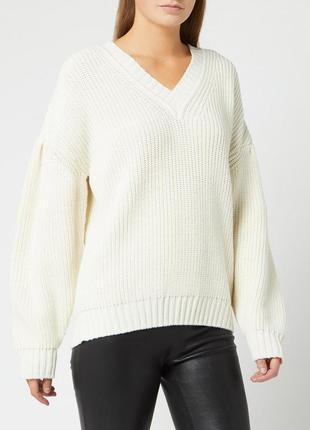 Burberry knit v-neck