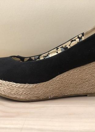 Туфли на плетёной платформе р.38