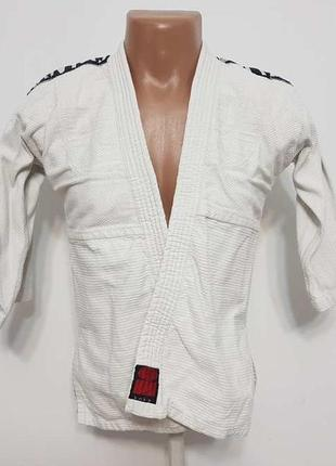 Кимоно essimo nintai толстое, для боевых искусств. 140, как новое!