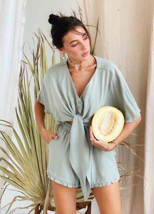 New нежный костюм шорты и укороченная блузка в оливковом цвете