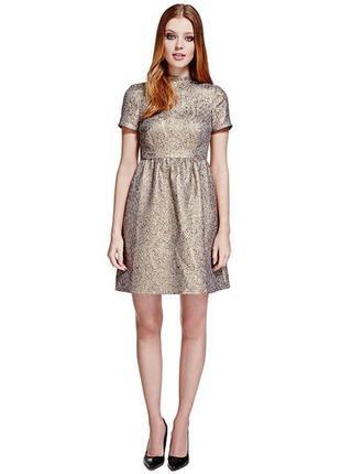 Жаккардовое платье золотистое, в стиле барокко