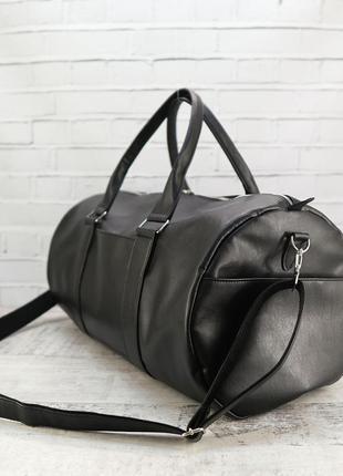 Дорожная сумка tube черная из эко кожи