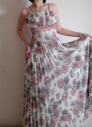 Шикарное шифоновое платье р.38