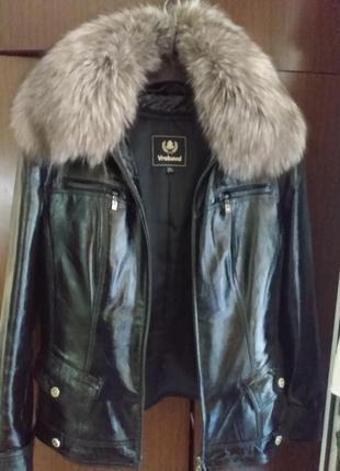 Куртка осень-зима,кожа-лак натур.песец.(мех съёмный) на подстежке.(см.зам)