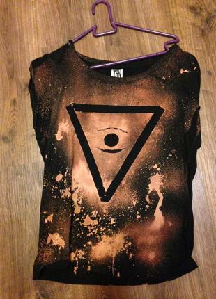 Дизайнерская футболка от terranova