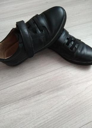 Осінні туфлі в школу