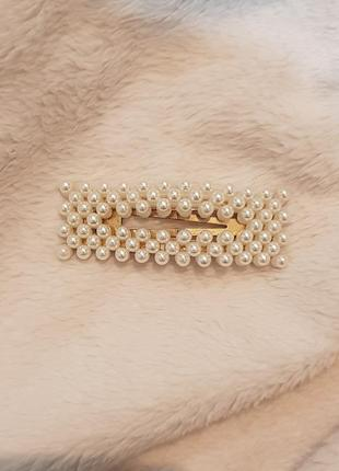 Золотая заколка с жемчугом