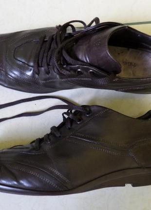 Hugo boss шкіряні туфлі 45р