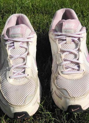 Nike отличные беговые кроссовки стелька 25 см