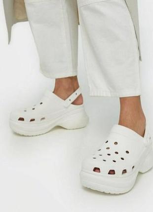 Crocs classic bae clog white белые кроксы сабо женские на платформе2 фото
