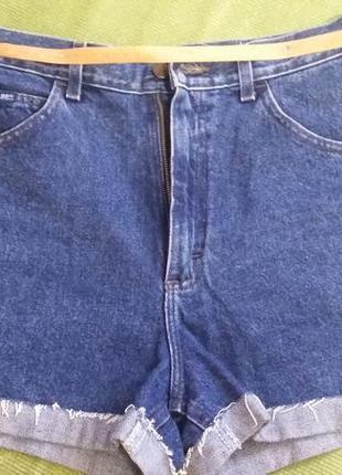Джинсовые шорты фирмы lee