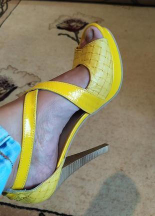 Босоножки туфли кожа