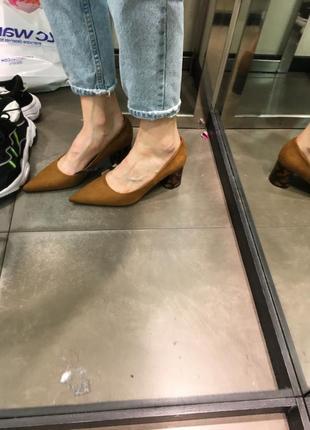 Новые бежевые коричневые туфли каблуки zara р.38