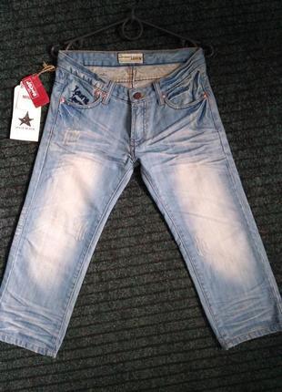 Levis джинсовые бриджи, шорты до колен w 27,29,30