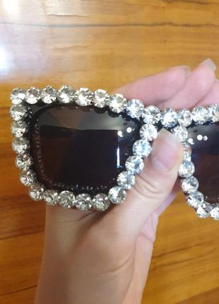 Сияющие модные очки с камнями стразами