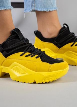 Крутые кроссовки натуральная кожа. черно жёлтые кросовки