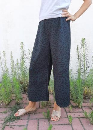 Кюлоты, укороченные штаны, темно зеленый, принт леопард