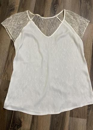 Легкая шелковая блуза спина из кружева