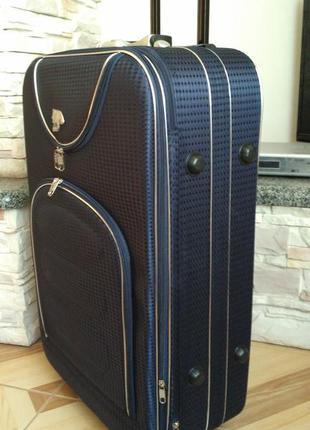 Чемоданы на колесах с замочком как хранить чемоданы samsonite
