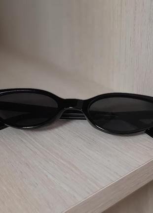 Солнцезащитные черные женские очки