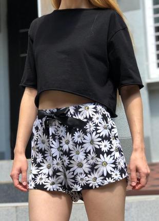 Легкие летние шорты на высокой посадке в цветочный принт
