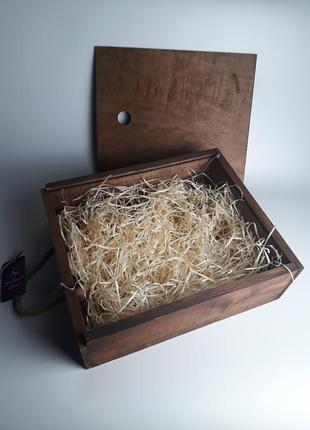 Деревянная коробка-пенал со стружкой