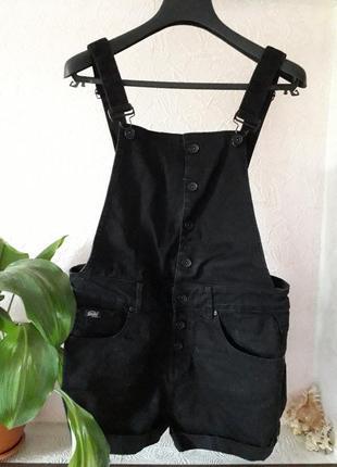 Superdry женский джинсовый комбинезон с шортами s\8\36 черный ромпер