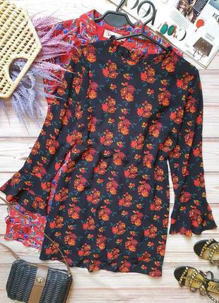 Красивое летнее платье свободного кроя с цветами