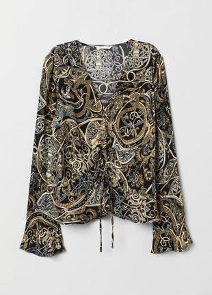 Блузка с кулиской спереди блуза с v-вырезом воланами на рукавах с интересным принтом