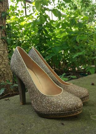 Туфлі лабутени золотисті