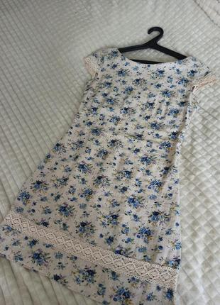 Летнее льняное платье в цветочек